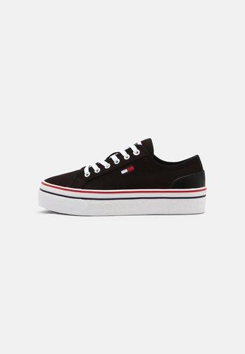 VULC - Sneakers basse - black