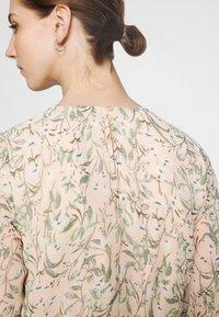 Gina Tricot - AMBER PLEATED DRESS - Day dress - peach - 3