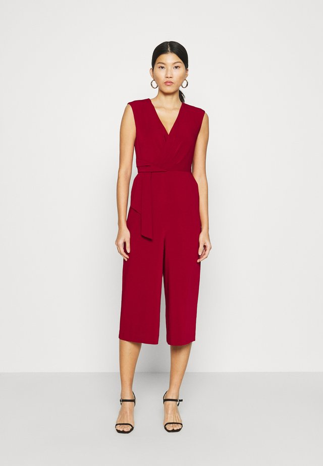 Jumpsuit - deep red