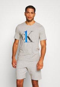 Calvin Klein Underwear - CREW NECK   - Pyjamashirt - grey - 0