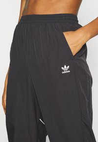 adidas Originals - LOGO - Verryttelyhousut - black/white - 4