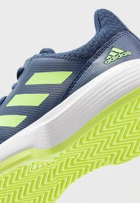 adidas Performance - COURTJAM - Clay court tennis shoes - tech indigo/signal green/footwear white - 5