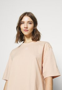 adidas Originals - TEE - Basic T-shirt - halo blush - 3