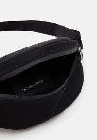 Michael Kors - HIP BAG - Bum bag - black - 3