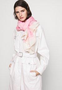 Emporio Armani - STOLE SIGNITURE - Sciarpa - pop pink - 0