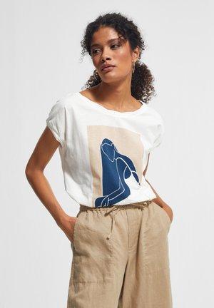 MIT FRONTPRINT - Print T-shirt - white placed print