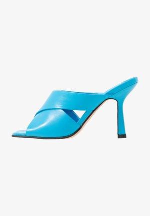 SKYLA HIGH MULE - Slip-ins med klack - blue