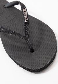 Havaianas - SLIM FIT SPARKLE - T-bar sandals - black - 2