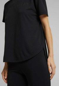 Esprit Sports - MIT LOGO-PRINT - Print T-shirt - black - 4