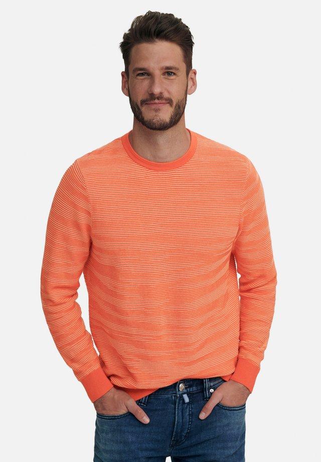 RUNDHALS-PULLOVER - Pullover - hummer