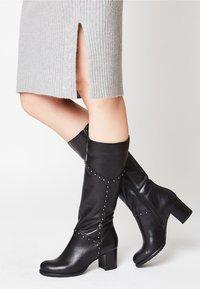 usha - Overknee laarzen - black - 0