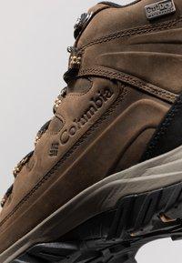 Columbia - TERREBONNE II MID OUTDRY - Trekking boots/ Trekking støvler - mud/curry - 5