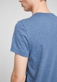 QS by s.Oliver - Print T-shirt - blue - 4