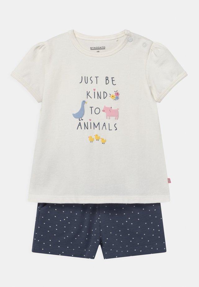 SET - T-shirt print - off-white/dark blue