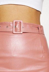 Missguided - BELTED POCKET DETAIL MINI SKIRT - Mini skirt - pink - 4