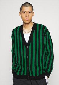 Mennace - VERTICAL - Cardigan - green - 0