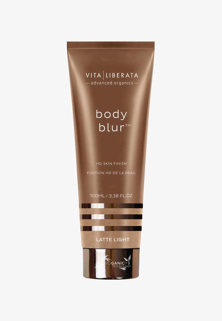 Vita Liberata - BODY BLUR INSTANT HD SKIN FINISH - Self tan - latte light