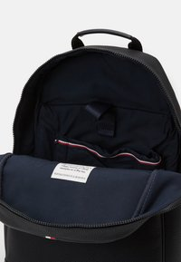 Tommy Hilfiger - ESSENTIAL BACKPACK - Rucksack - black - 2