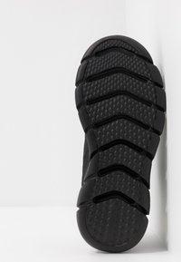 Skechers Sport - SKECH-FLEX 3.0 - Sneaker low - black - 4