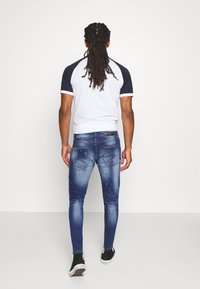 Alessandro Zavetti - CARROT FIT - Jeans Tapered Fit - indigo - 2