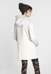 Desigual - BJORN - Cappotto corto - white - 2