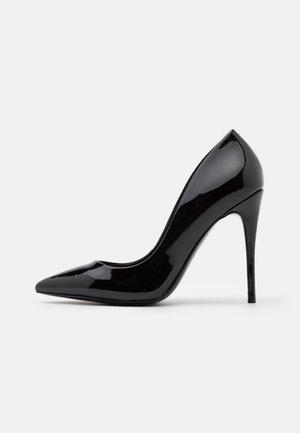 STESSY - High Heel Pumps - black patent