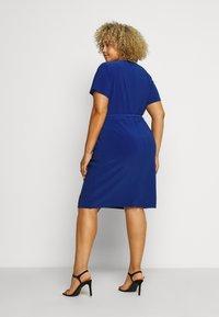 Lauren Ralph Lauren Woman - ALEXIE SHORT SLEEVE DAY DRESS - Shift dress - summer sapphire - 2
