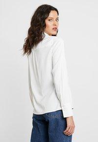 IVY & OAK - Button-down blouse - snow white - 2