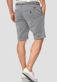 INDICODE JEANS - CASUAL FIT - Shorts - mottled light blue - 2