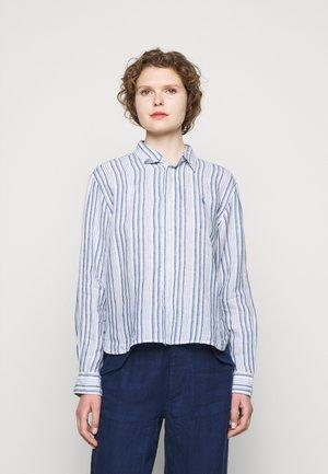 STRIPE - Skjorte - white/astor blue