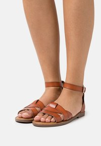 Refresh - Sandals - camel - 0