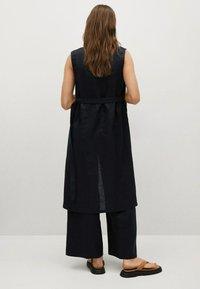 Mango - Waistcoat - schwarz - 2