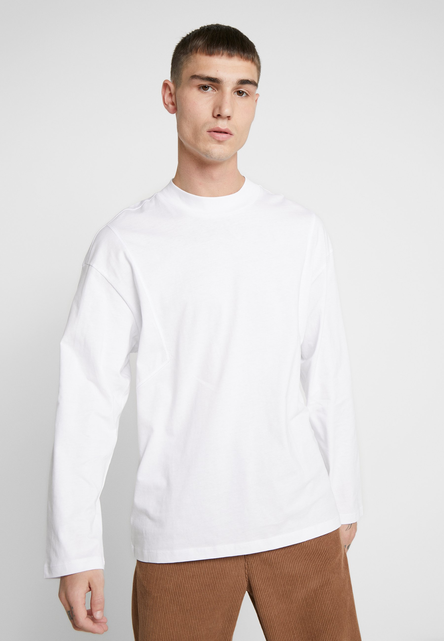 Uomo JORCARTY TEE CREW NECK BOX FIT - Maglietta a manica lunga - white new shape
