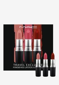 MAC - POWDER KISS LIPSTICK SET - Palette pour les lèvres - brights - 0