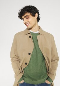 Selected Homme - SLHBUDDY CREW NECK - Maglione - vineyard green - 3