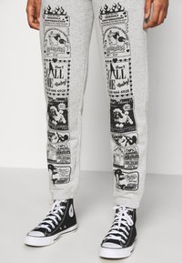NEW girl ORDER - CONVERSATION JOGGERS - Tracksuit bottoms - grey - 3