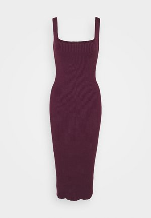 MIDI DRESS WITH WIDE STRAPS AND LOW SQUARE  - Pletené šaty - plum purple