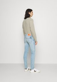 Calvin Klein Jeans - SKINNY - Skinny-Farkut - denim medium - 2