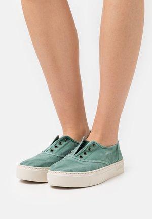 Sneakers basse - albahaca