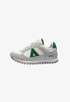 CHASE - Trainers - w/green