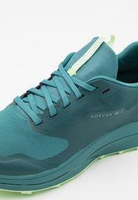 Arc'teryx - NORVAN LD 2 W - Zapatillas de trail running - meta/bioprism - 5