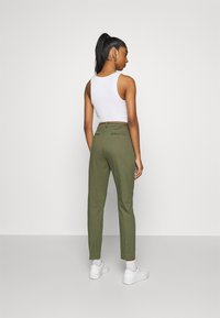 b.young - DAYS CIGARET PANTS  - Chinos - olive night - 2