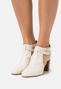 San Marina - AULHORA - Ankle boots - ivoire - 0