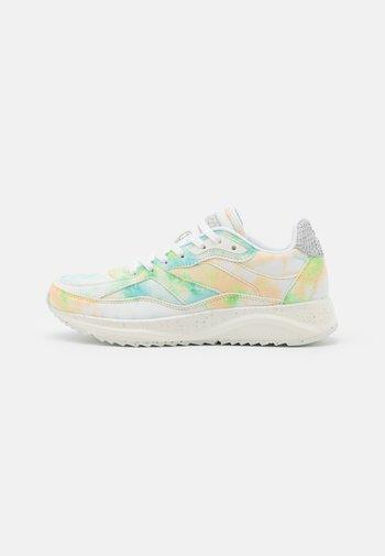 SOPHIE SPLASH - Sneakers - jade/cream
