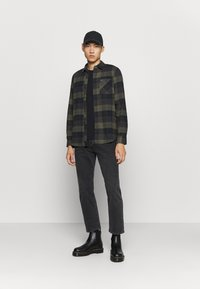 Volcom - CADEN PLAID - Shirt - army green - 1