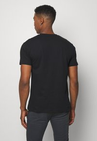 Newport Bay Sailing Club - TEE 5 PACK - Basic T-shirt - black - 2