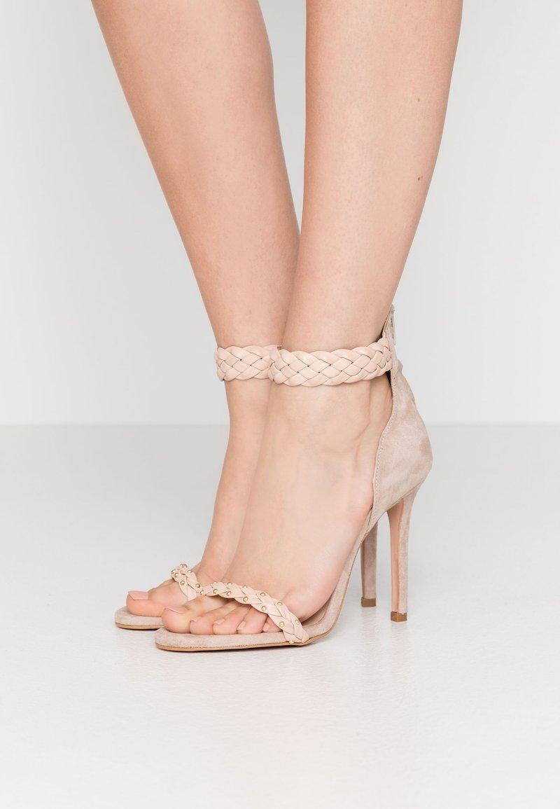Trussardi Jeans - Korolliset sandaalit - rose