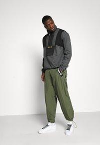 adidas Originals - ADVENTURE SPORTS INSPIRED - Bluza - dark grey - 1