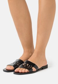 KARL LAGERFELD - SKOOT KUT OUT - Mules - black - 0