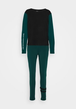 UFSET PIJENNY - Pyjamas - black/green